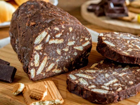 Арменски сладък салам с какао и орехи - снимка на рецептата